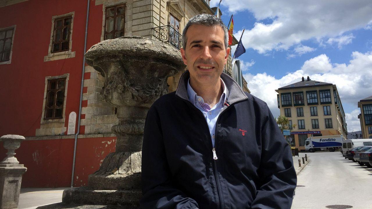 Feijoo en la comida mitín de Viveiro.María Loureiro, alcaldesa y candidata del PSOE a las elecciones municipales de Viveiro