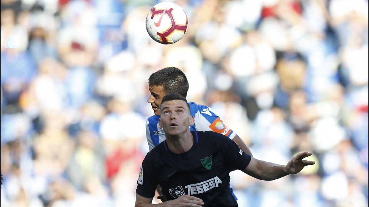 Pelayo Novo Real Oviedo.Jugadores del Oviedo tras el empate ante el Extremadura
