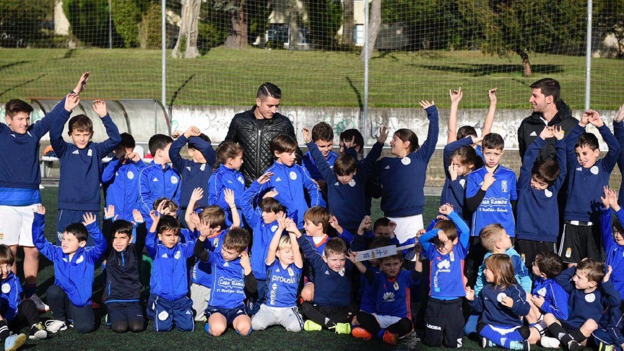 Gol Yoel Barcenas Real Oviedo Reus Carlos Tartiere.Saúl Berjón en el Campamento de Navidad