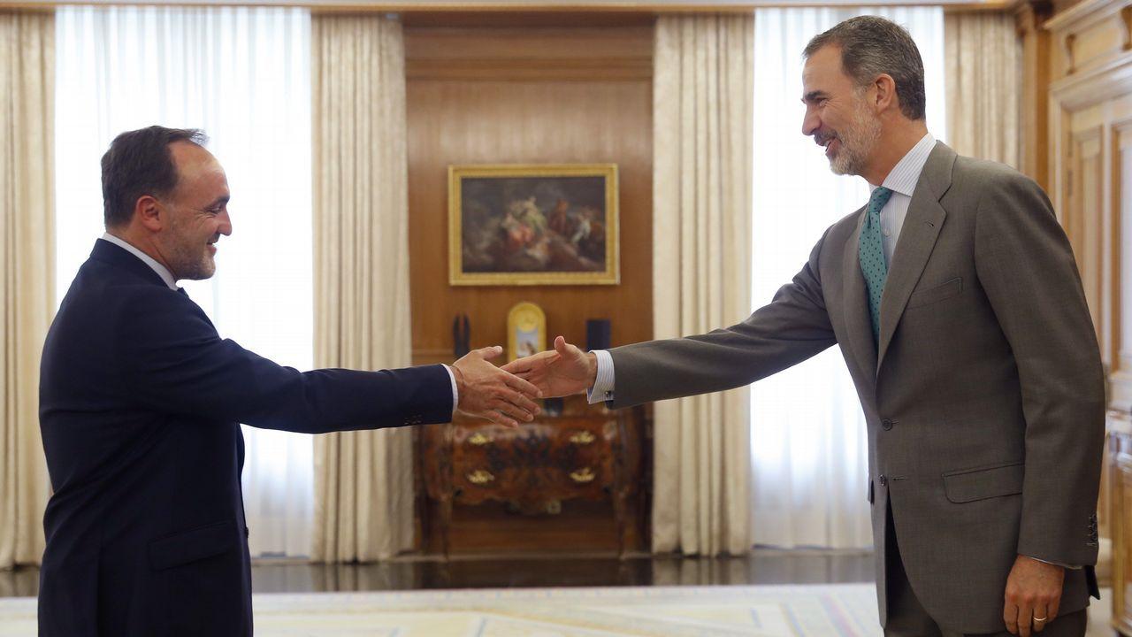 Esparza cerró el turno de consultas matinal y abrió la puerta a un posible pacto con el PSOE en la investidura de Sánchez