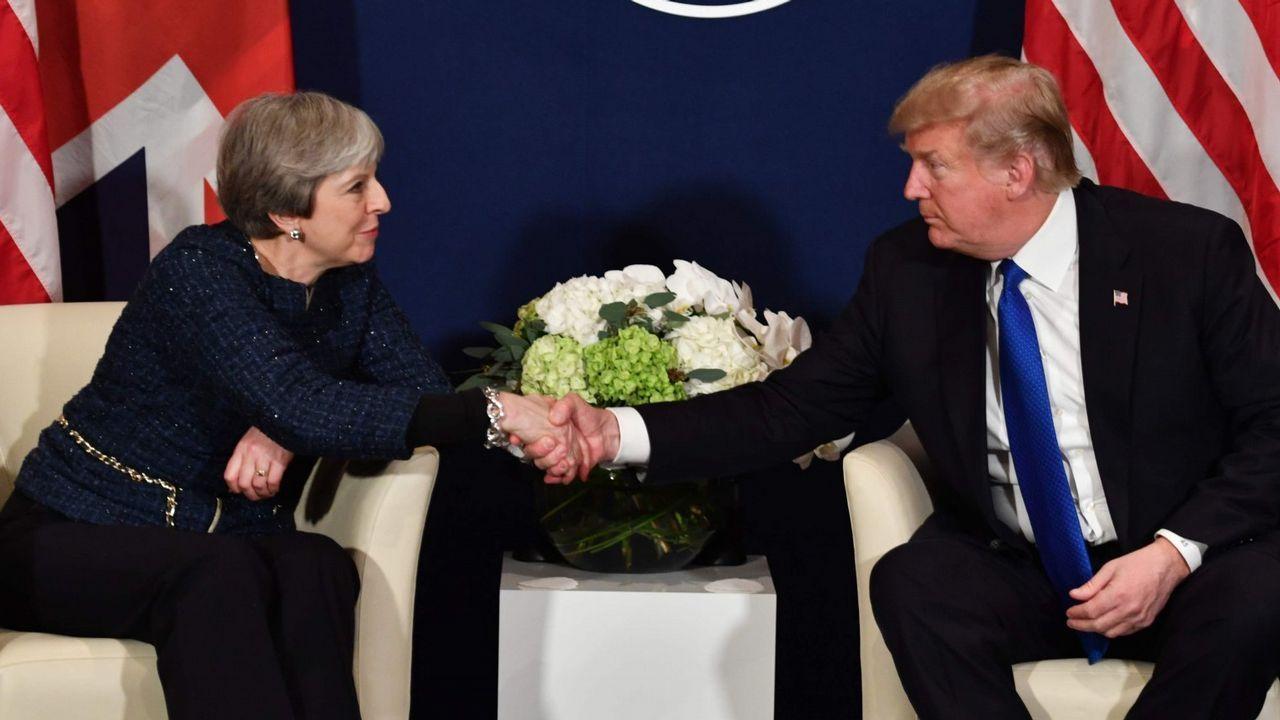 .May y Trump se dieron la mano en el Foro de Davos