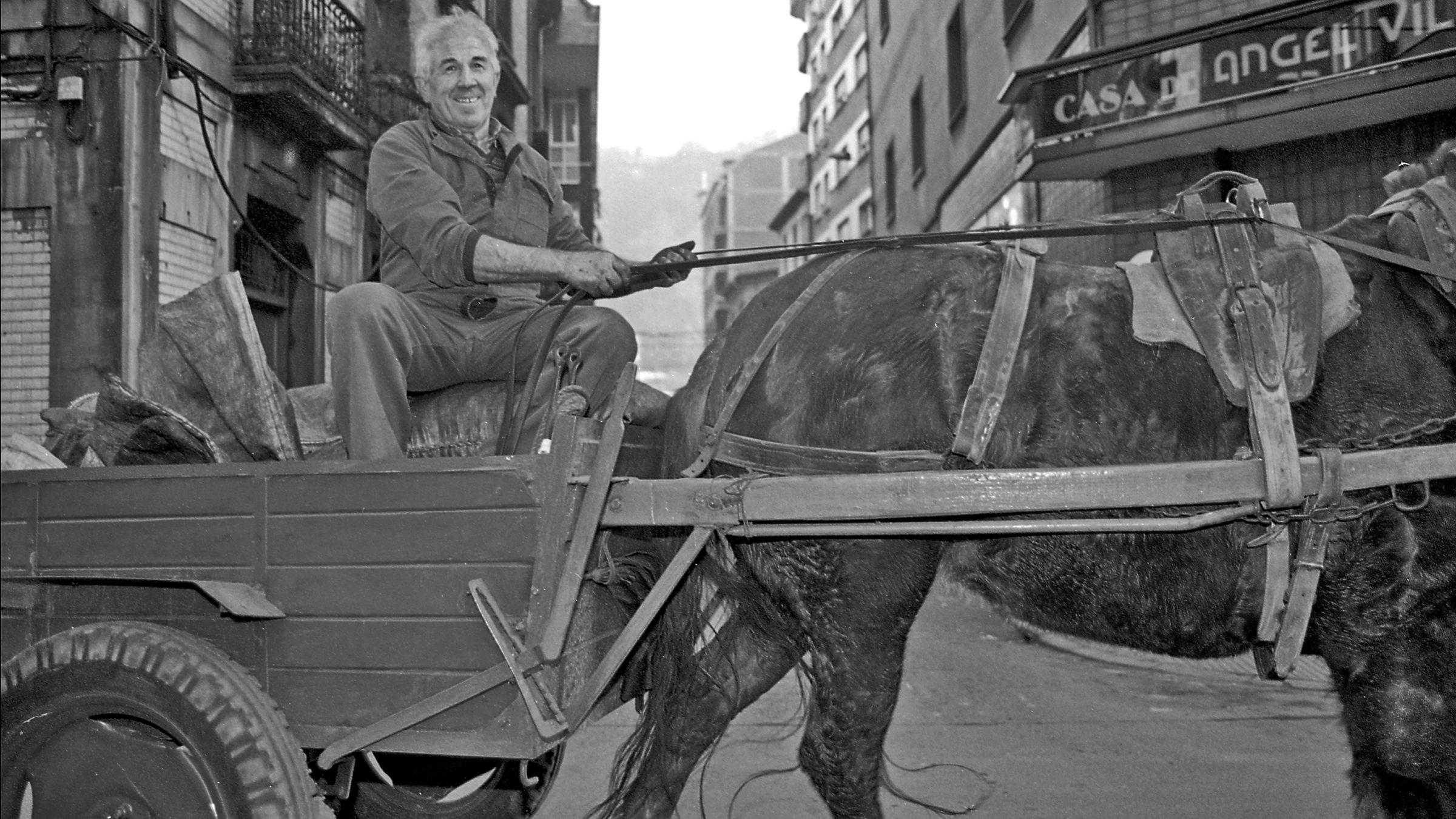 Venta ambulante de Carbon. Langreo. Asturias 1995