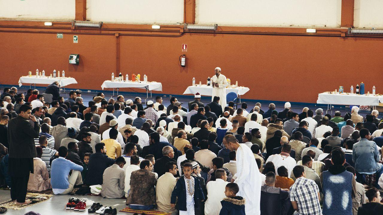 Fiesta del fin del Ramadán en Oviedo.