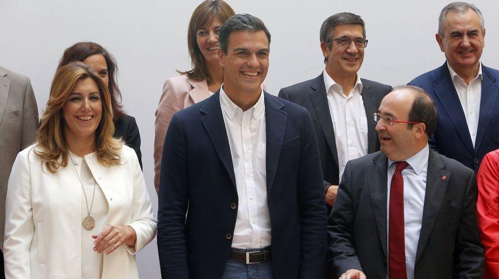 Sánchez desafía la presión de los barones y rechaza investir a Rajoy: «No es no».Sánchez y Rubalcaba, durante el congreso extraordinario en el que el primero fue elegido secretario general