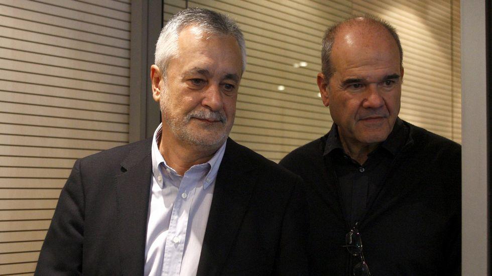 Pedro Sánchez: «Cumpliré con mi palabra cuando se cumpla la imputación con delito».Bidireccional. Moreno reiteró el principio de que gobierne el más votado, pero dijo al PSOE que debe ser en las dos direcciones.