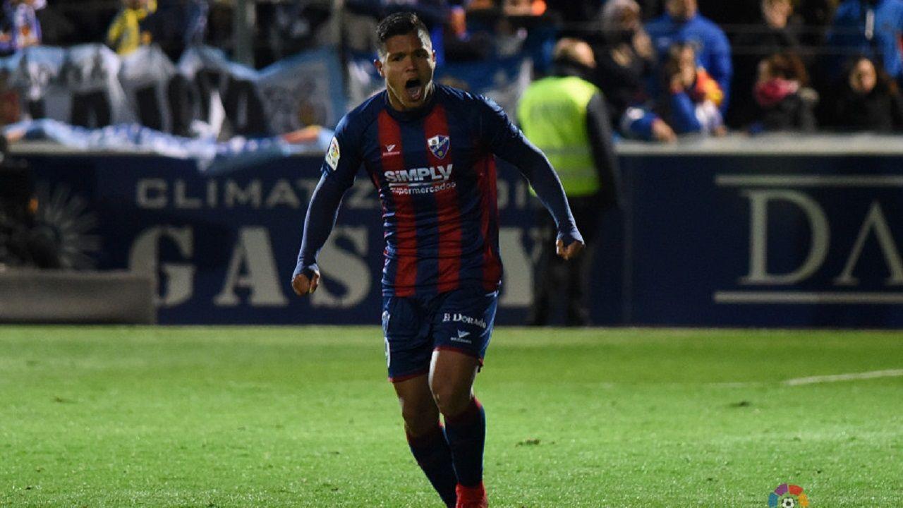 Cucho Hernández celebrando uno de sus goles al Zaragoza