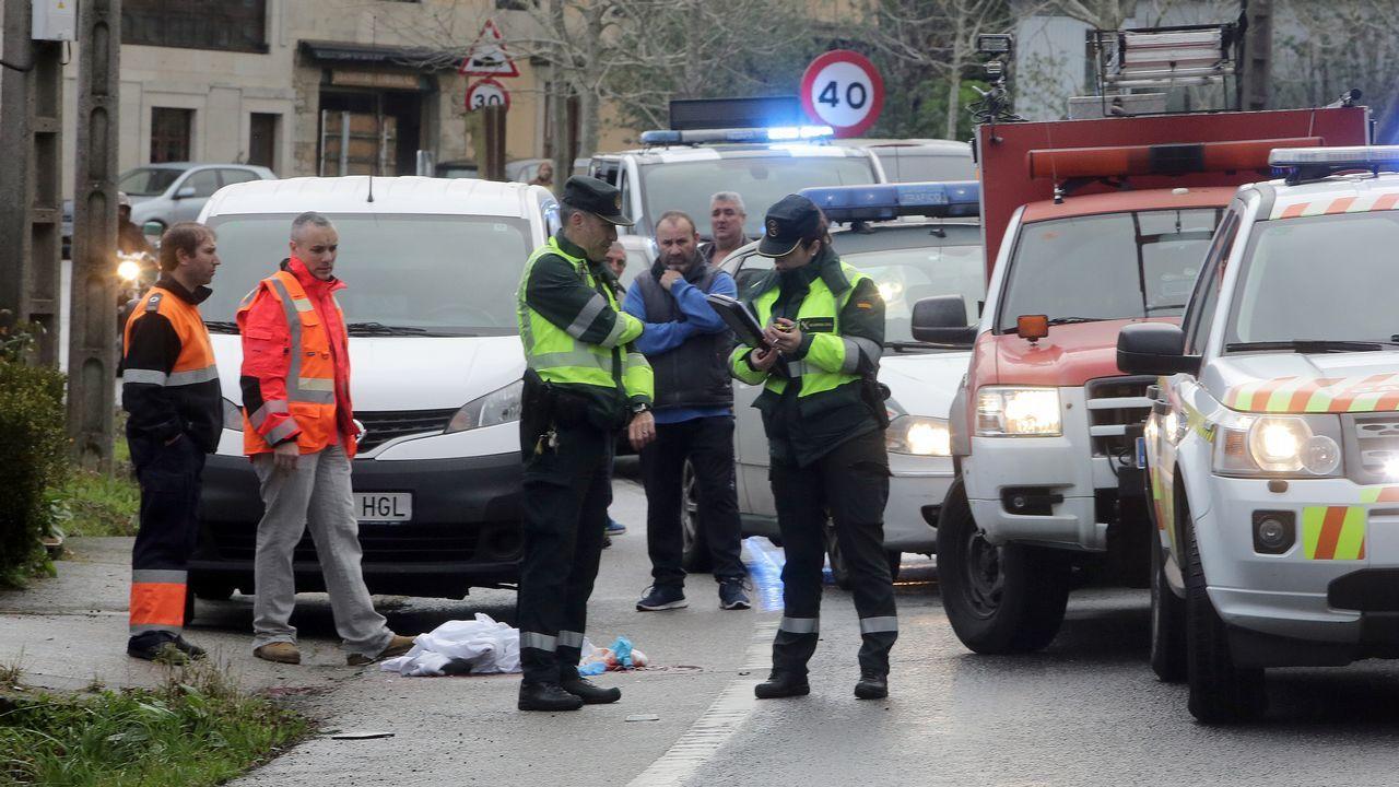 Atropello mortal ocurrido en Catoira en el que murió un repartidor de pan arrollado por un camión al bajarse de su furgoneta