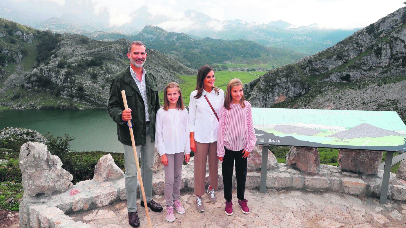 Un parlamento de luto.La familia Real en los Lagos de Covadonga