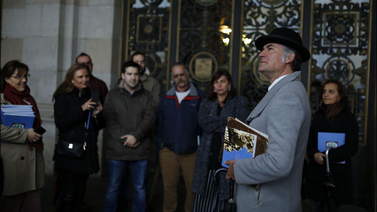 Lloréns visita A Coruña.Fábrica de armas de Trubia