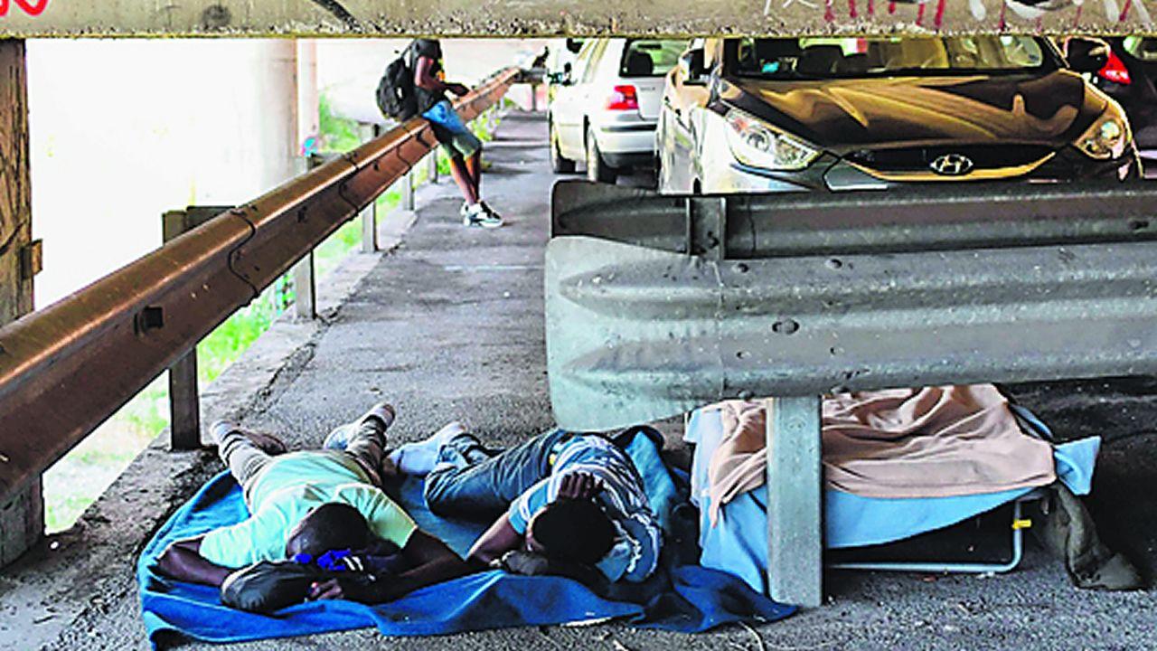 El informe de Oxfam denuncia las penosas condiciones de vida de los inmigrantes atrapados en Ventimiglila