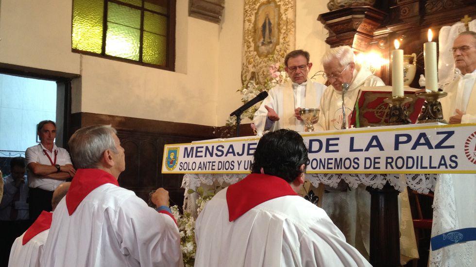 El padre Ángel oficia una misa en Mieres durante su nombramiento como hijo predilecto del concejo.El padre Ángel oficia una misa en Mieres durante su nombramiento como hijo predilecto del concejo