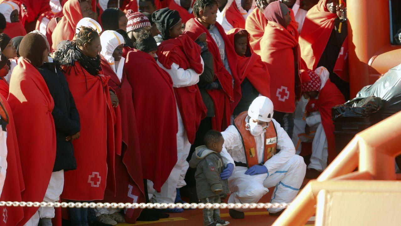 Nueva caravana de migrantes de Honduras a Estados Unidos.Grupo de inmigrantes llegados al puerto de Málaga tras ser rescatados de una patera el pasado día 9