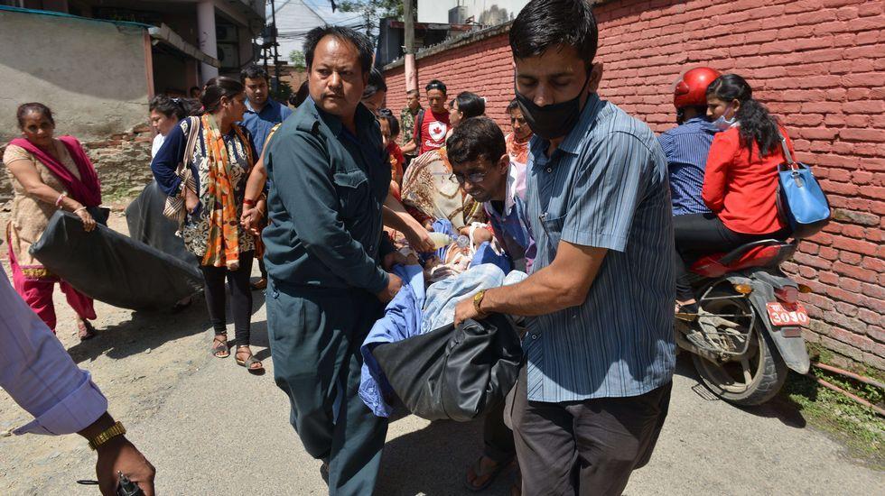 Evacuación de heridos en un hospital