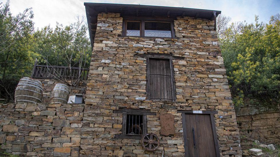 Algunas viviendas de la localidad están siendo restauradas