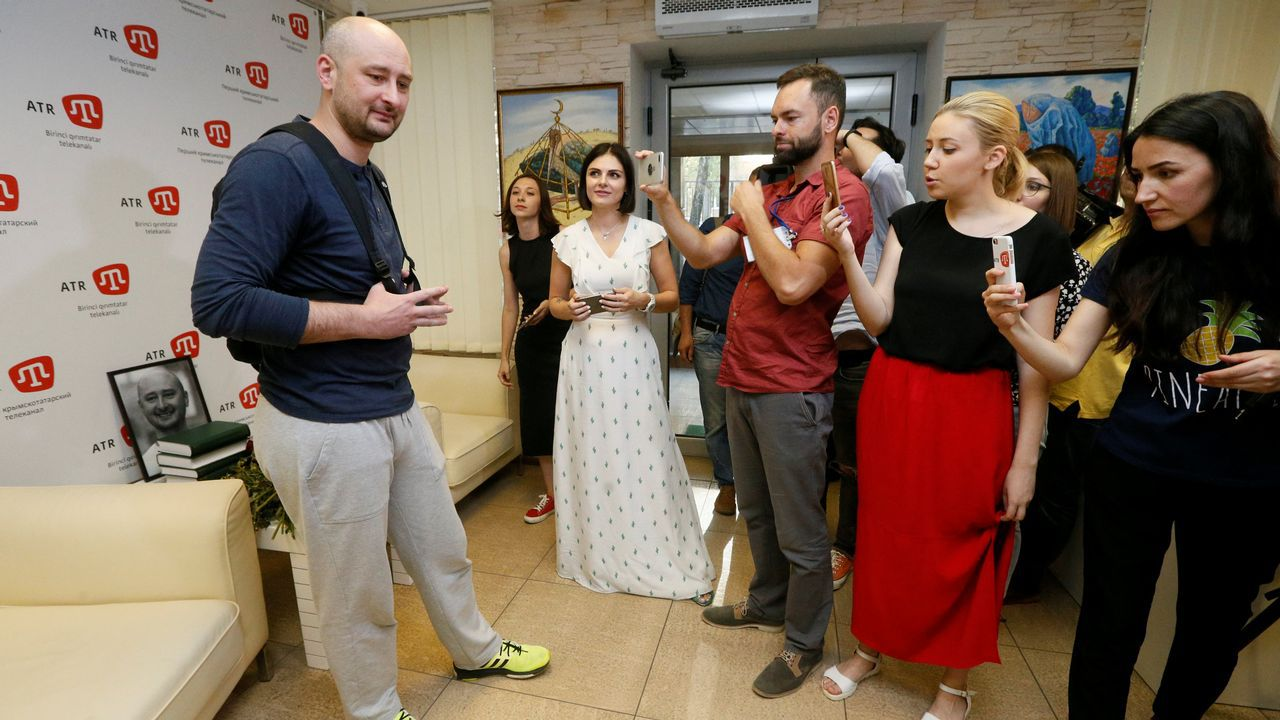 .Babchenko acudió este jueves a la televisión en la que trabajaba