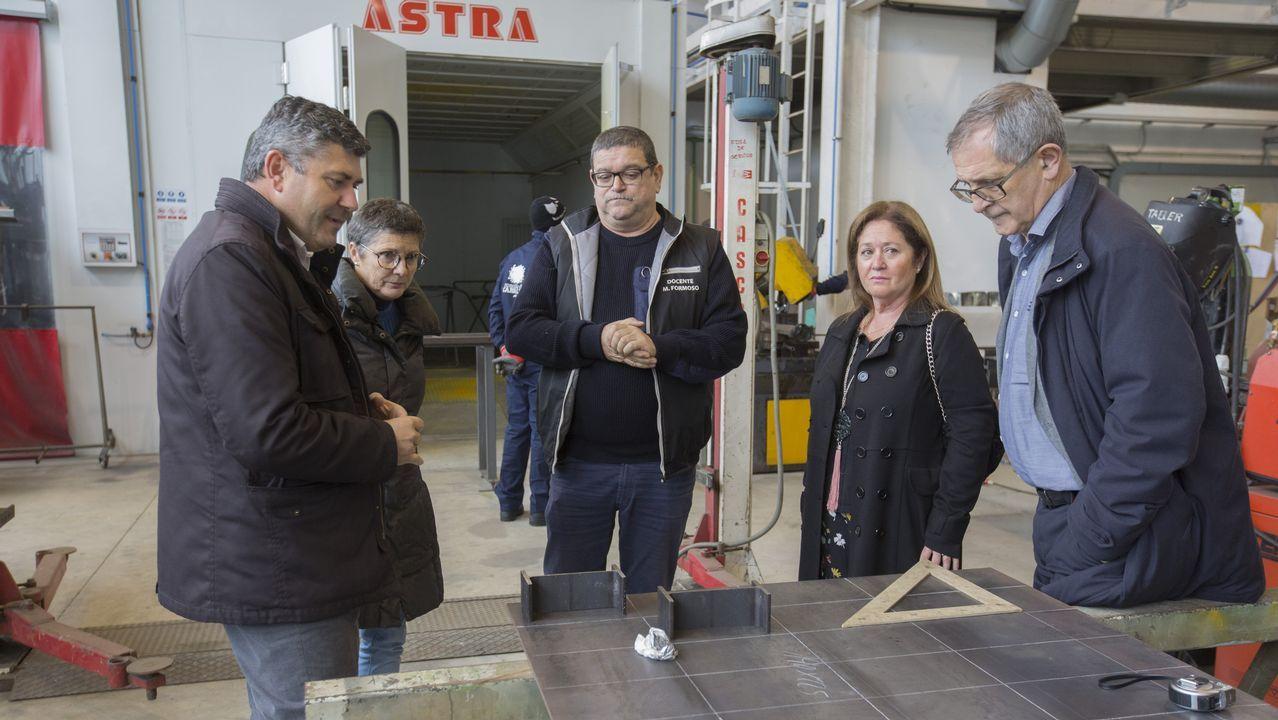 Entrega de becas de EDP en Ponteceso: ¡las imágenes!.Iván Añón y los otros dos acusados durante el juicio que se celebró en el 2008 en la audiencia de A Coruña