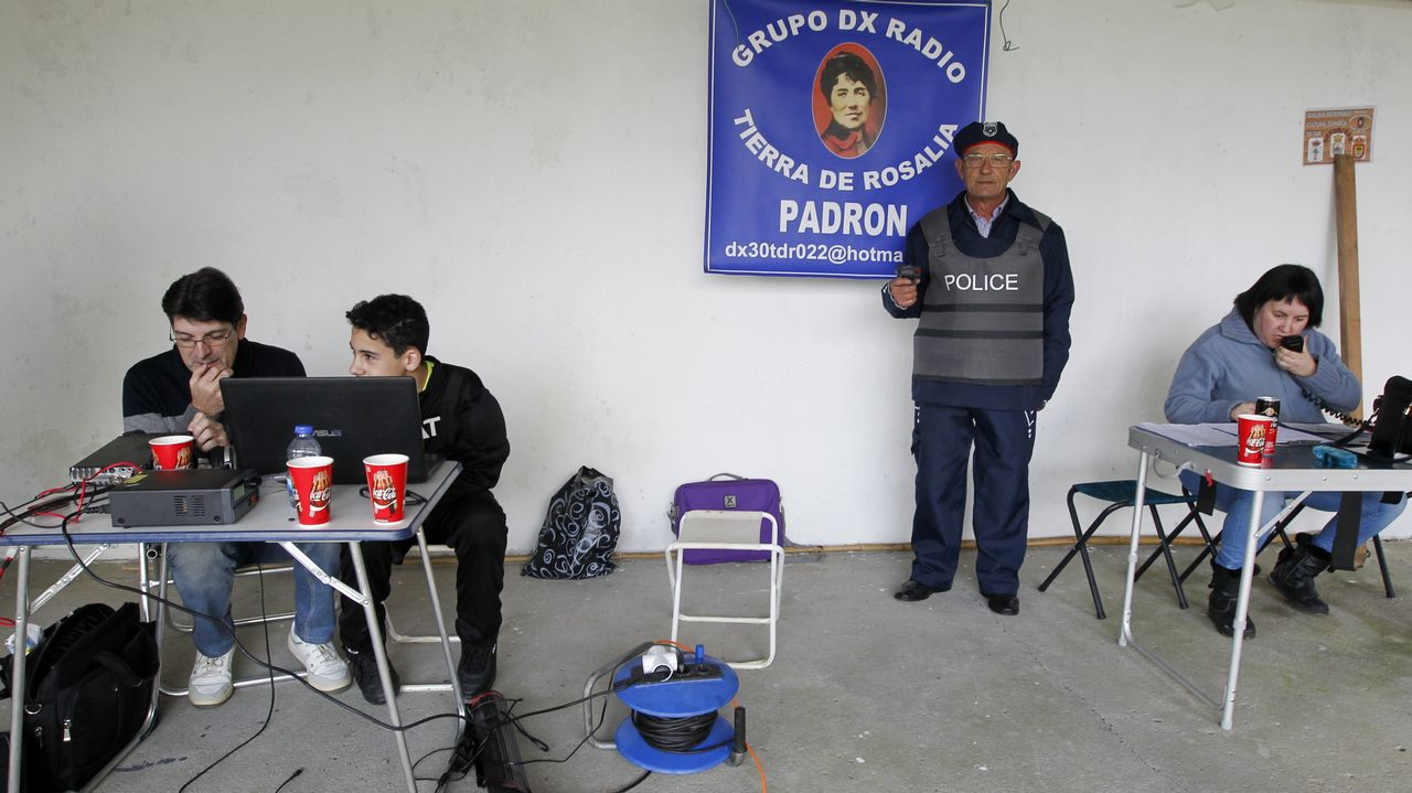 Cachorros buscan hogar en Vilagarcía