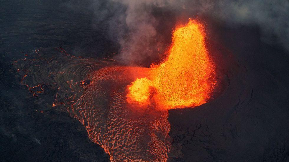 Vista da erupción da zona de ruptura do leste de Kilauea o xoves 31 de maio