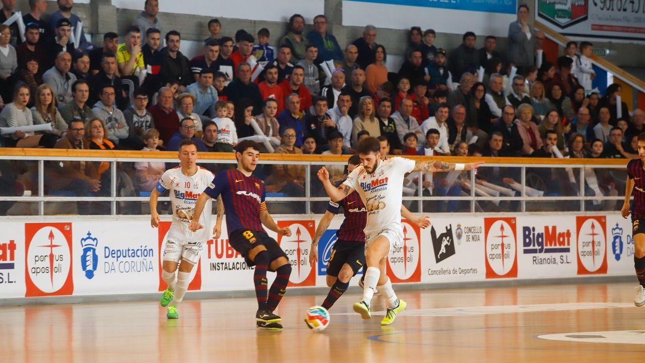 ¡Búscate en el partido de fútbol sala entre el Noia Portus Apostoli y el Barcelona B!