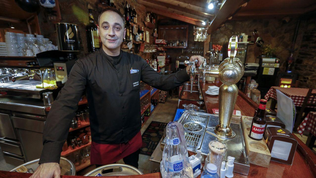 Antigas bebidas carbonatadas do sur lucense.Miguel Ángel Rodríguez, que regenta un albergue en Fonfría, Pedrafita, rehabilitó su casa siguiendo la normativa del Camino