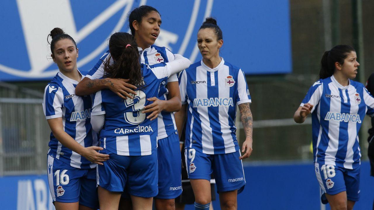 Gol Henar Real Oviedo Femenino Lugo.Las futbolistas azules celebran el gol de Henar ante el Lugo