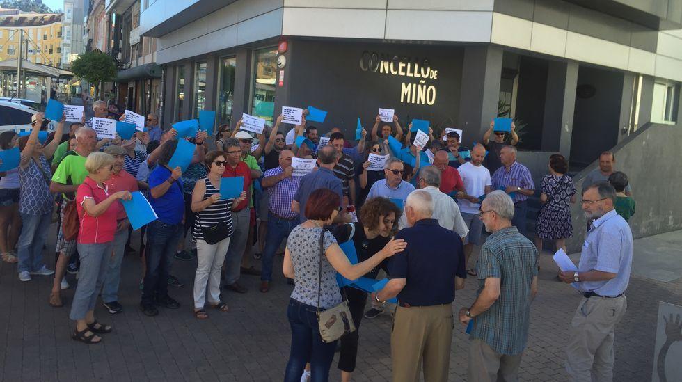 Protesta en Miño por las banderas azules