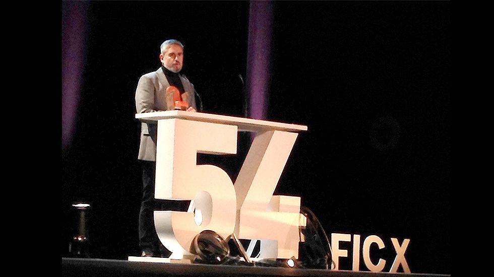 El director Santiago Zannou.Nacho Carballo, en la gala de apertura del FICX54