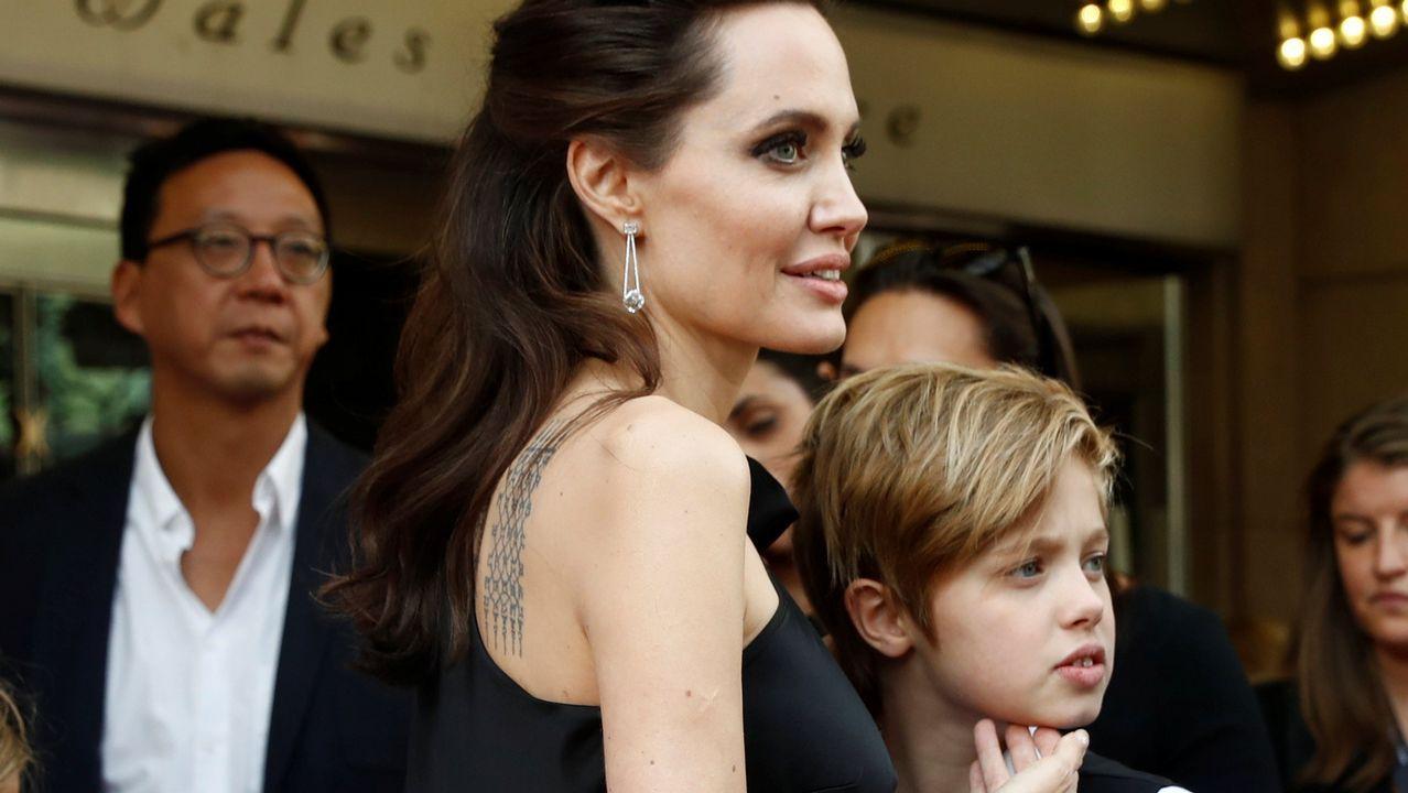 .Angelina Jolie junto a su hija Shiloh.
