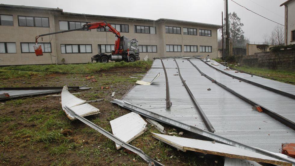 Destrozos en el colegio Antonio Orza Couto de Boqueixón