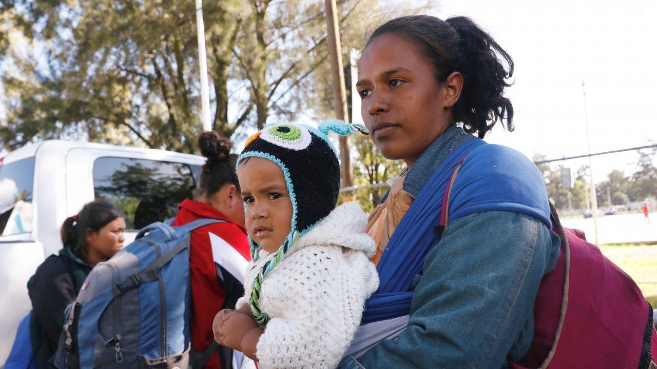 Las novedades del sector funerario, en Ourense.La primera caravana de emigrantes ha llegado a la frontera de Estados Unidos