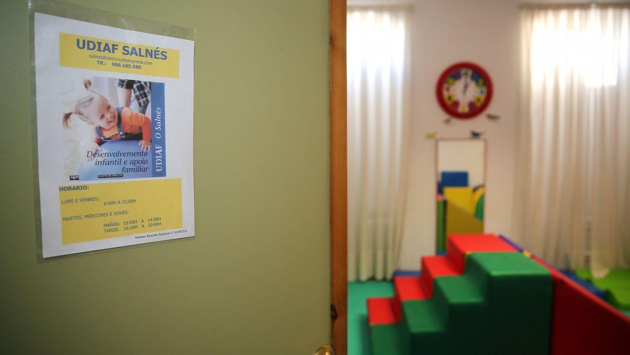 Imagen de la sala de espera de un centro de salud en Arousa.