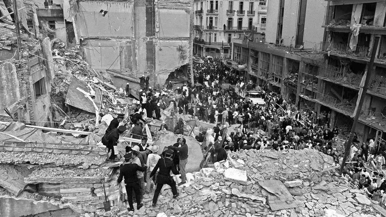 El atentado contra el centro judío AMIA en 1994 dejó 85 muertos y 300 heridos