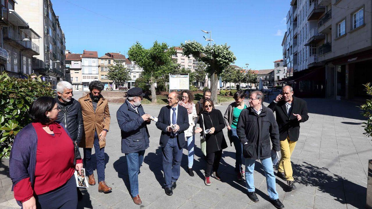 Kilómetros contra el cierre de Alcoa.Colas para acceder al Bellas Artes durante la Noche Blanca de Oviedo
