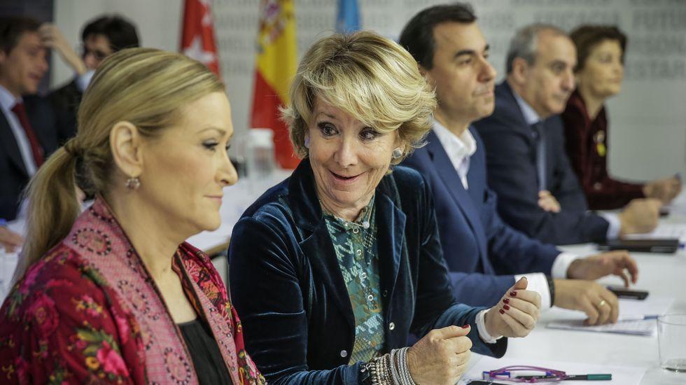 Sáenz de Santamaría: «Los españoles han apostado por una agenda moderada».Rajoy, ayer jueves en el Museo del Prado, en el acto donde aseguró que se postularía como candidato a la investidura.