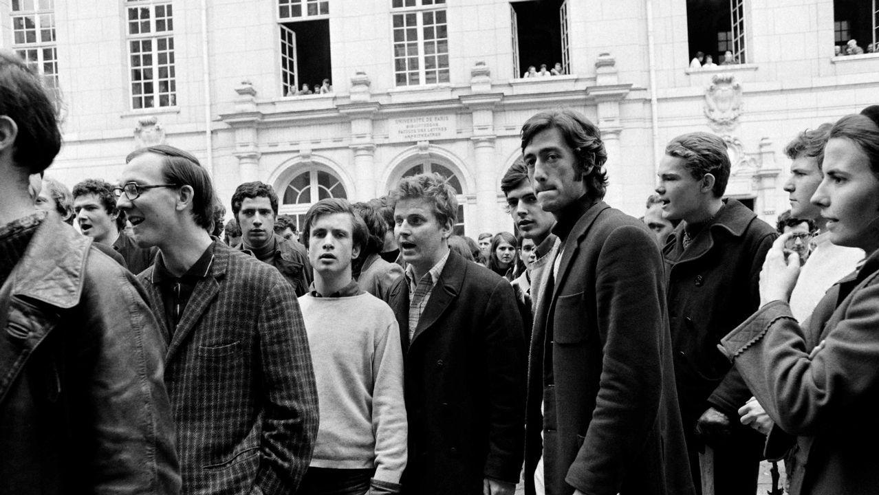 Todas las fotos del festival de las escuelas deportivas de Chantada.Cohn-Bendit, en el centro, con camisa de cuadros, durante la protesta inicial en la Sorbona
