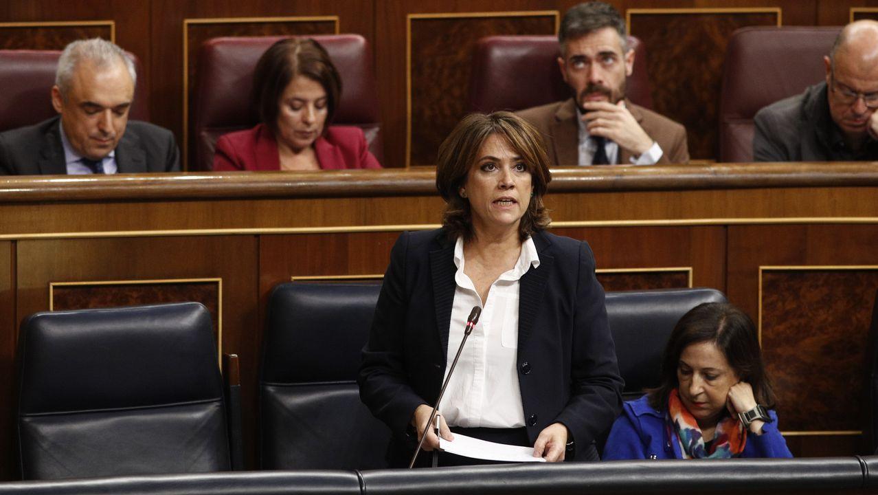 La líder de Ciudadanos en Cataluña, Inés Arrimadas, acompañada de los diputados del partido Carlos Carrizosa y Sonia Sierra (i), presentaron una denuncia por delitos de odio contra Arran en la Ciudad de la Justicia de Barcelona