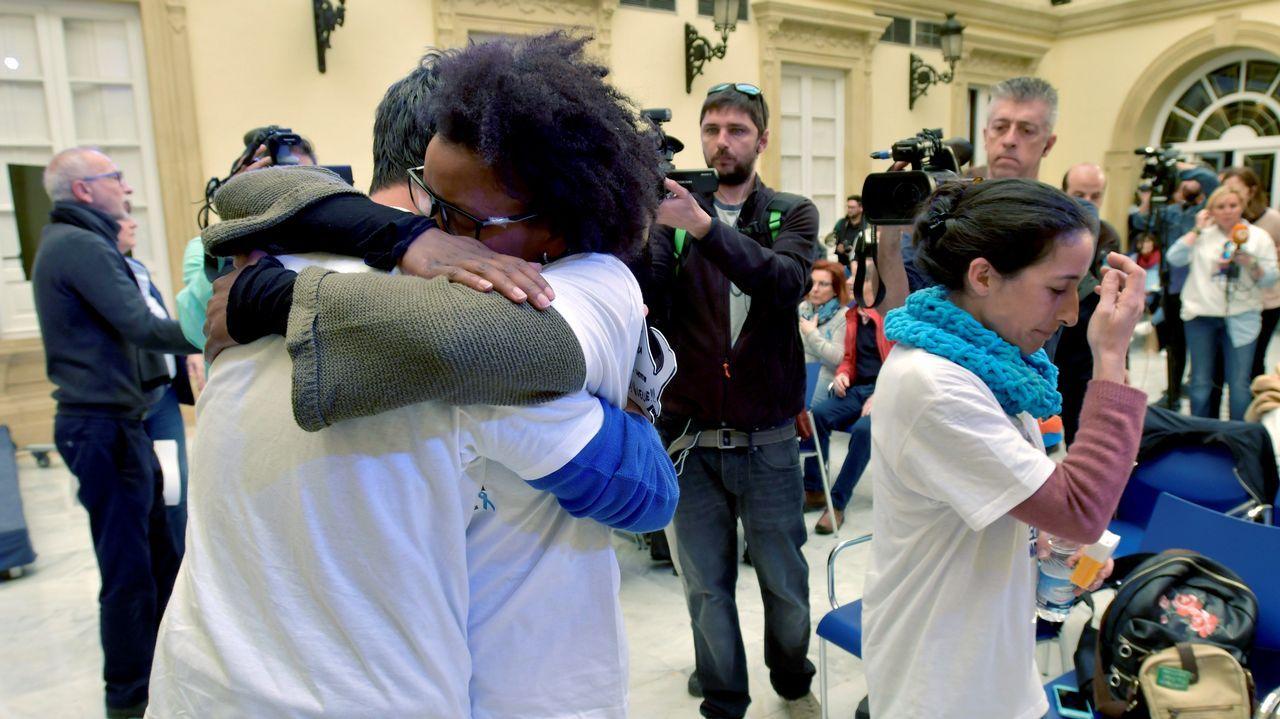 Investigan a Ana Julia Quezada por la muerte en Burgos de su primera hija, fallecida al caer por una ventana.Retrato de Gabriel Cruz colocado en la diputación de Almería