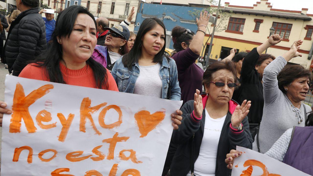 Simpatizantes de Keiko, ante la sede de la policía