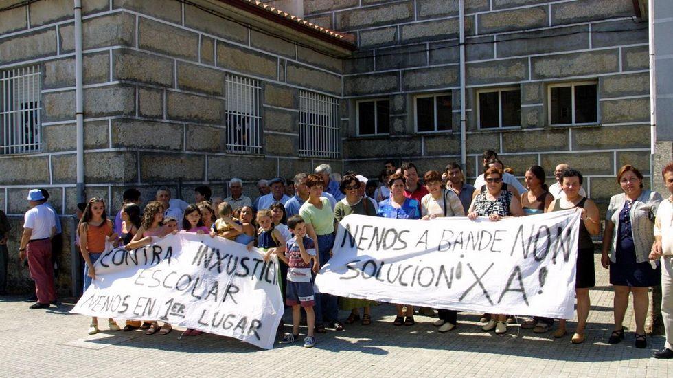 .En 2001 hubo nuevas protestas, esta vez por el traslado a Bande tras la creación de la ESO