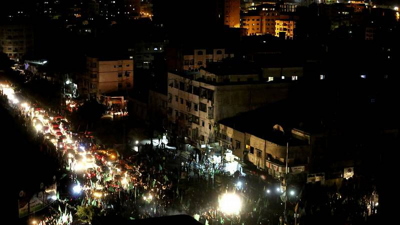 Los habitantes de Gaza celebran la vuelta a casa .