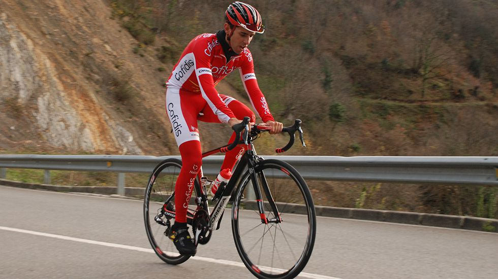 Las imágenes de la invasión gallega en Valença.El ciclista asturiano Dani Navarro