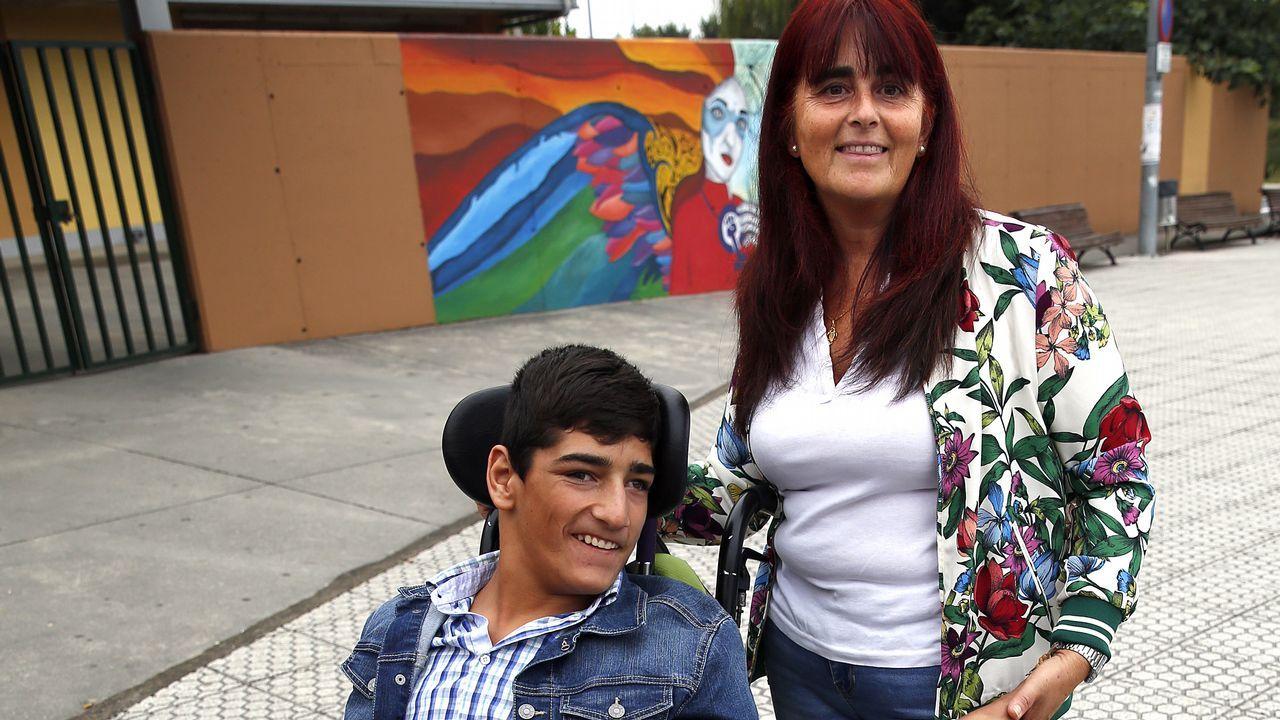 Un 10 en reanimación cardiopulmonar.Un grupo de alumnos de la escuela de idiomas de Ferrol.