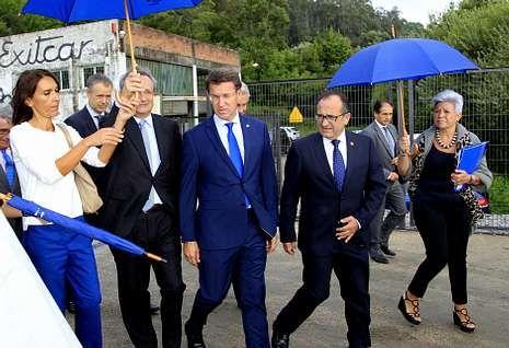 .La nueva subestación inaugurada por Villaseca y Feijoo está blindada y se ubica en A Portela.