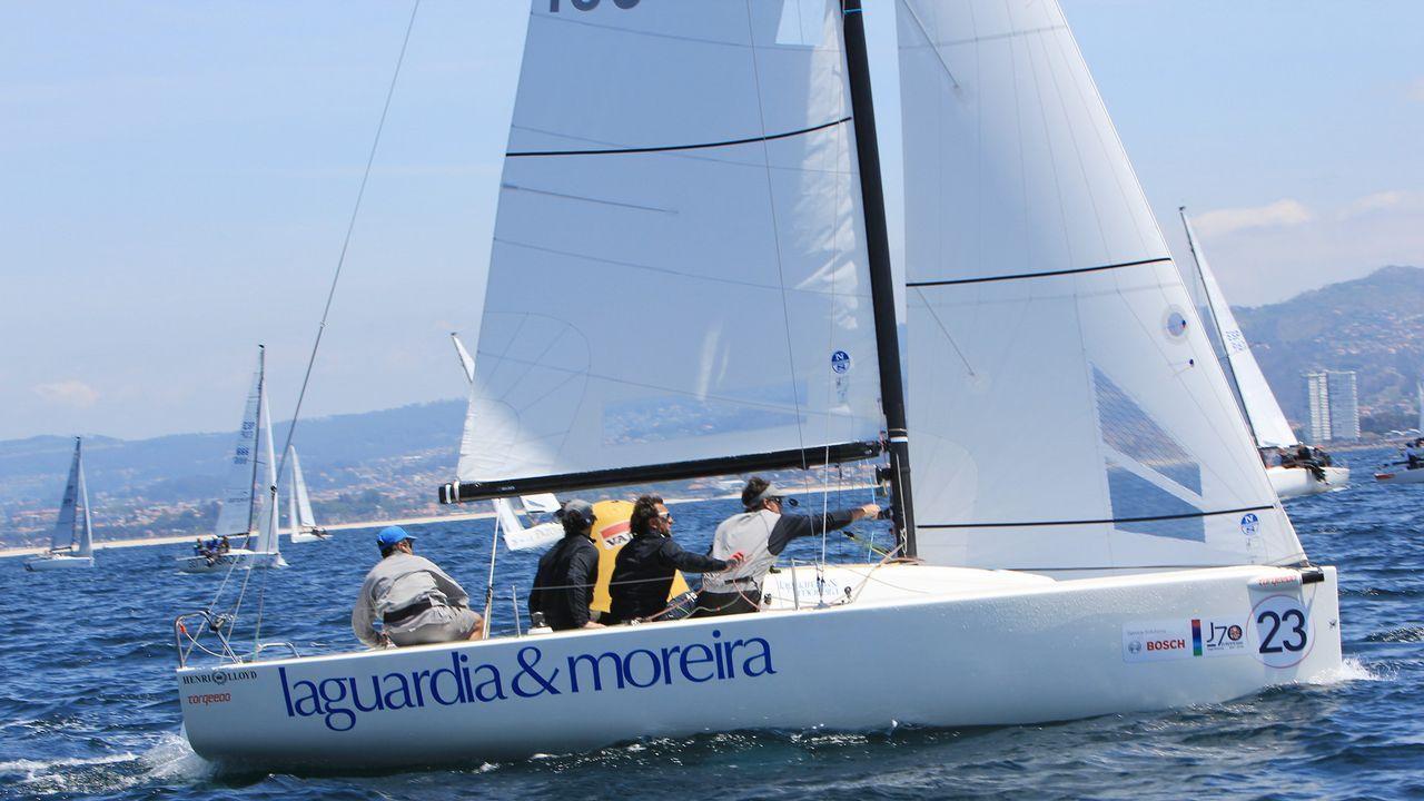 España acepta el «Aquarius», el barco con 629 migrantes a la deriva.La resolución de la UE tiene su origen en la denuncia presentada por el rumano Adrian Coman (en la imagen) y su esposo, el estadounidense Claibourn Hamilton