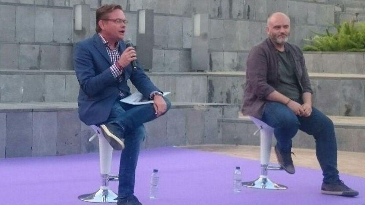 Egea Requexon Real Oviedo.El líder de Podem en Dénia Àlex Rodenkirchen (izquierda)