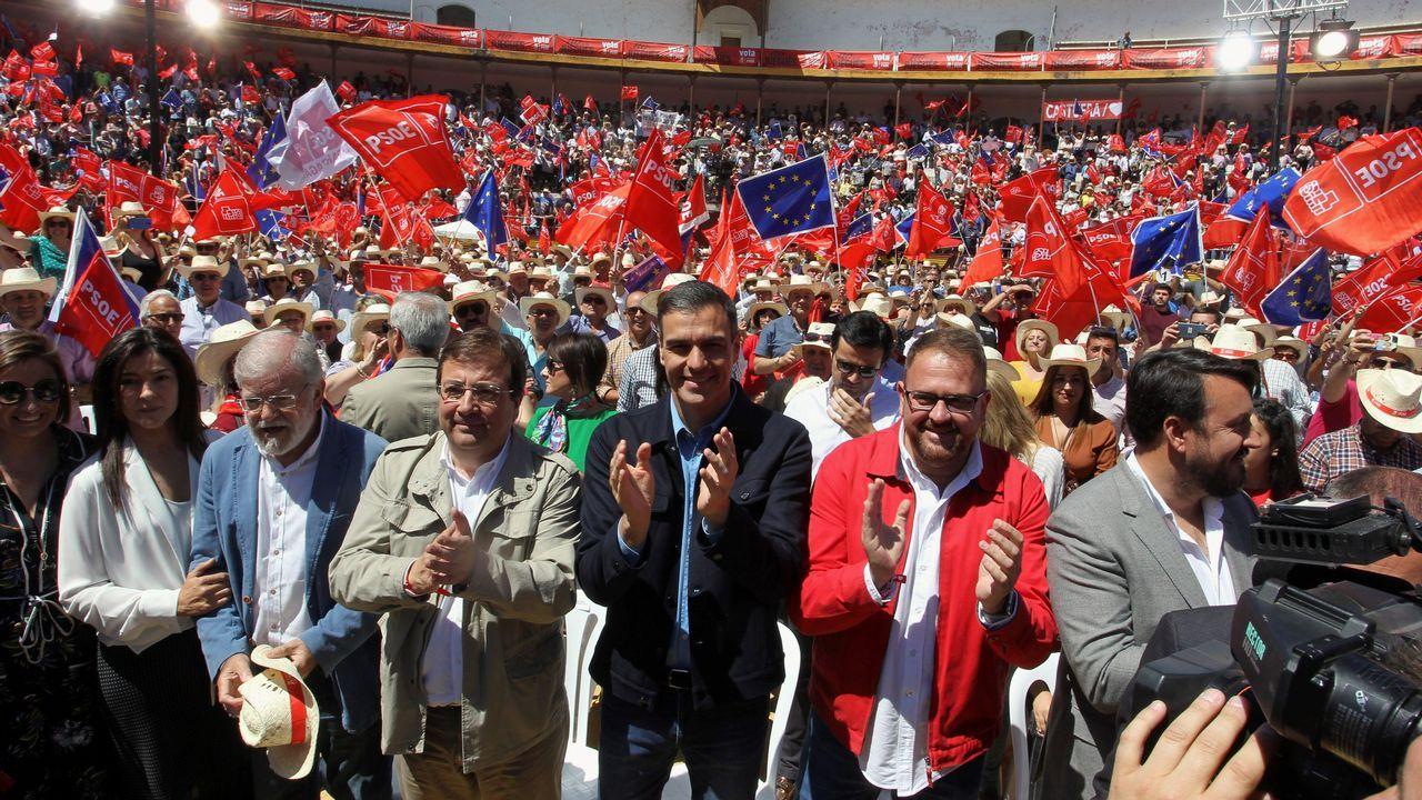 El presidente del Gobierno en funciones, Pedro Sánchez, ayer, en un acto de campaña en la plaza de toros de Mérida
