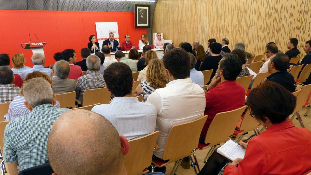 Encuentro sobre municipalismo en la sede de la FSA
