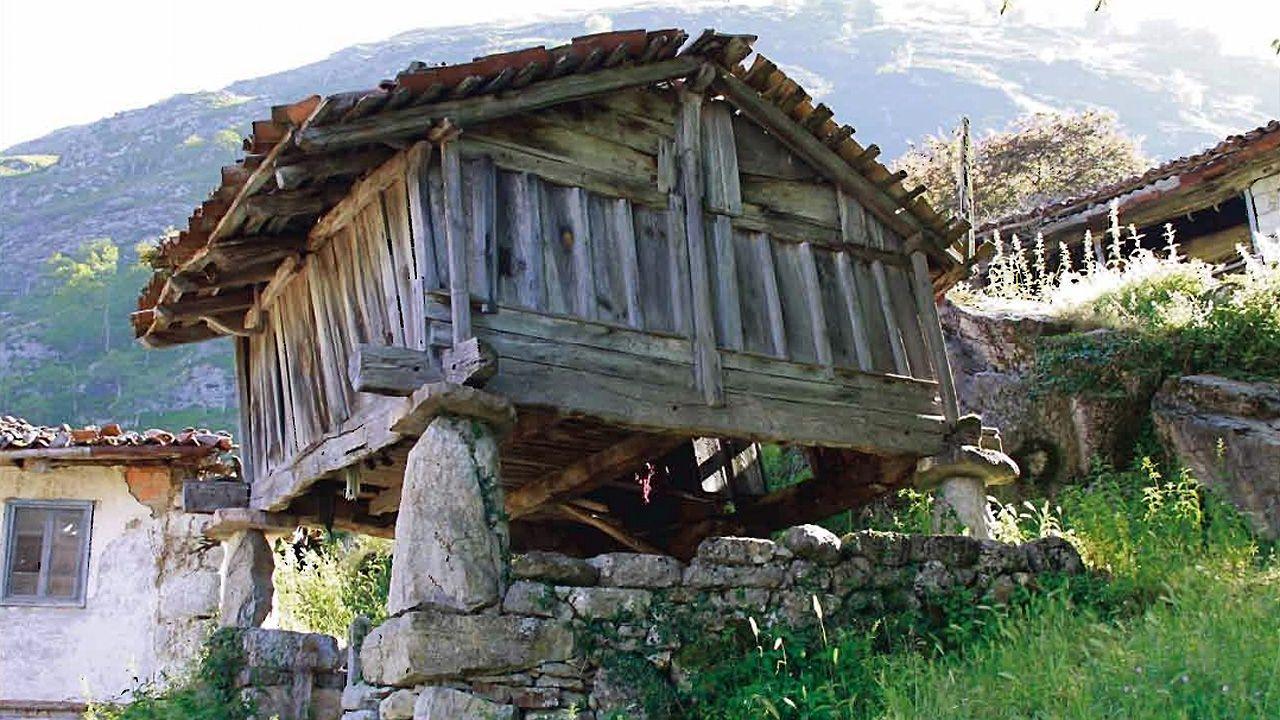 El hórreo beyusco de Moisés, en Ponga