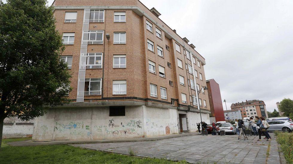 Despedimos Castilla soltando lastre. Número 6 de la calle Río Sella de Lugones (Siero)