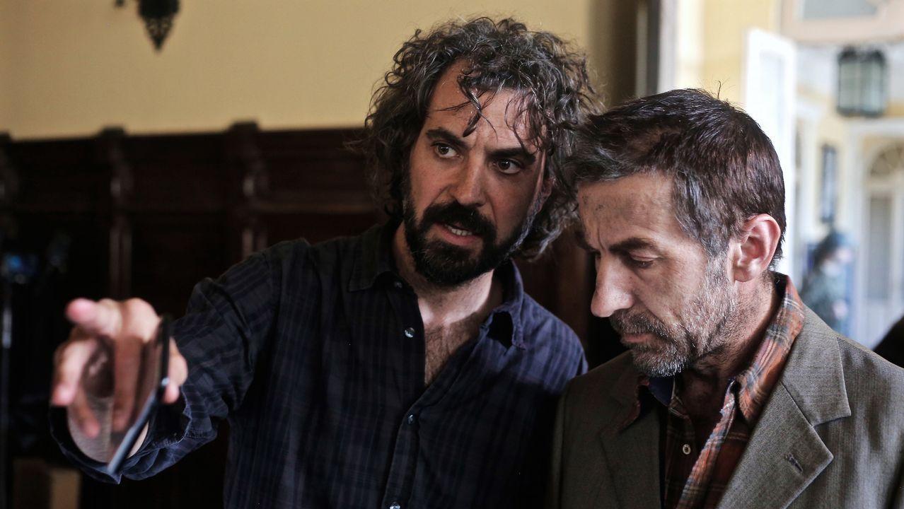 MAGOSTO EN MONTEALEGRE.El realizador uruguayo Álvaro Brechner da indicaciones al actor español Antonio de la Torre, que encarna a un joven Pepe Mujica en el filme «La noche de 12 años».